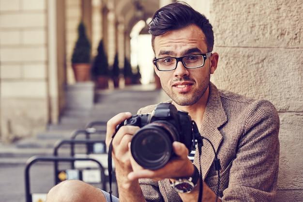 Jovem fotógrafo como diretor