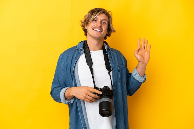Jovem fotógrafo isolado