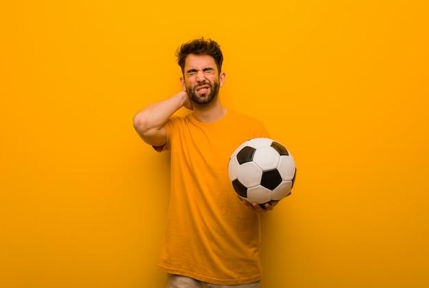 Jovem, jogador futebol, homem, sofrimento, pescoço, dor