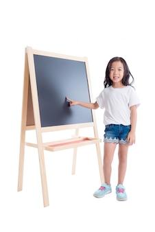 Jovem, menina asiática, ficar, e, ponto, em, quadro-negro, sobre, fundo branco