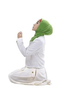 Jovem, muçulmano, mulher, orando