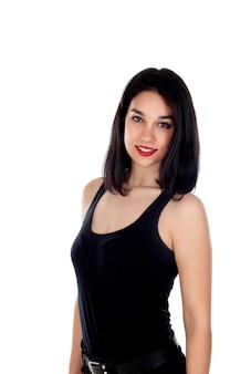 Jovem mulher sorridente com roupa preta ajustada