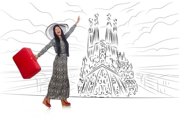 Jovem mulher viajando para a espanha para ver a sagrada família