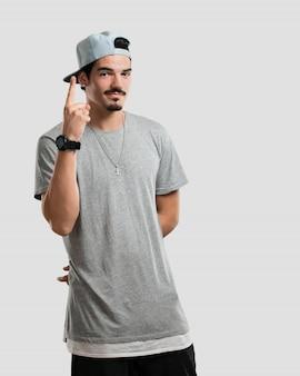 Jovem, rapper, homem, mostrando, numere um, símbolo, de, contagem