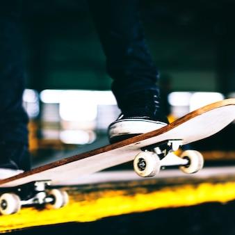 Jovem, skateboarding, disparar