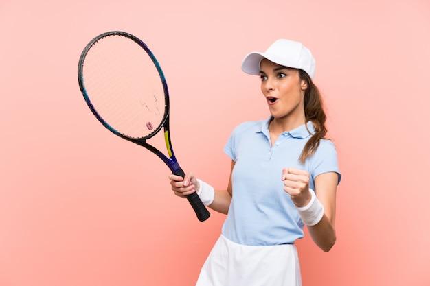 Jovem tenista mulher