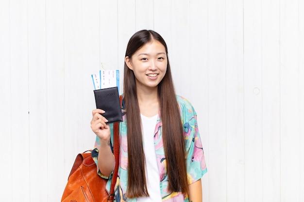 Jovem turista chinesa bonita