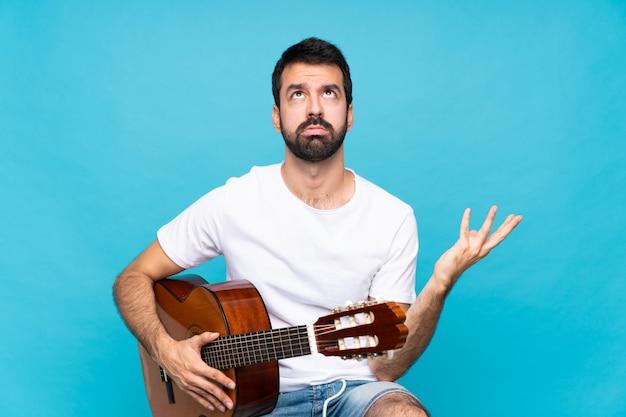 Jovem, violão
