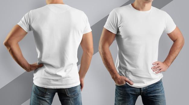 Jovem, vista frontal e traseira, em uma camiseta de algodão branca em uma parede cinza.