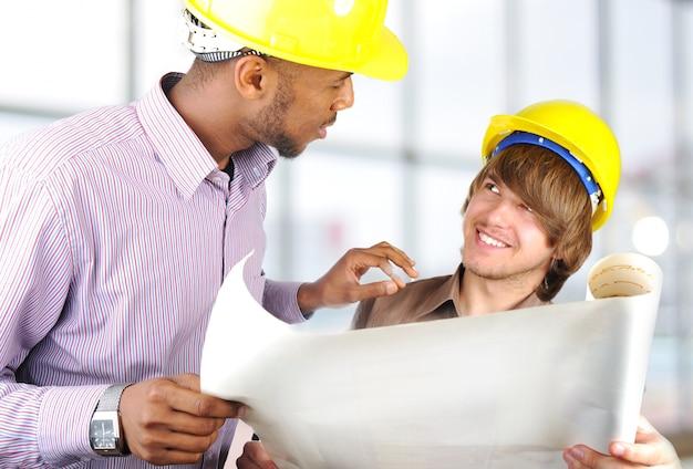 Jovens engenheiros