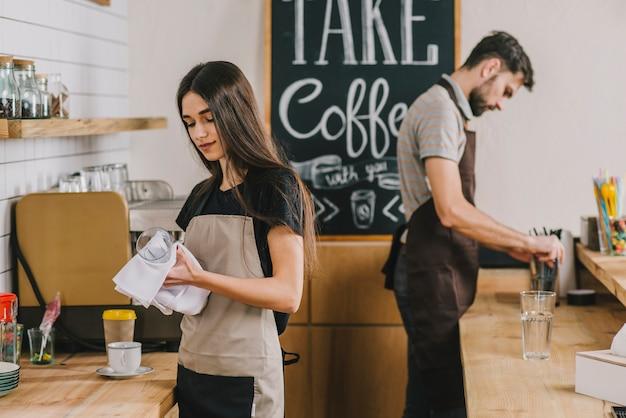 Jovens, trabalhando, em, café