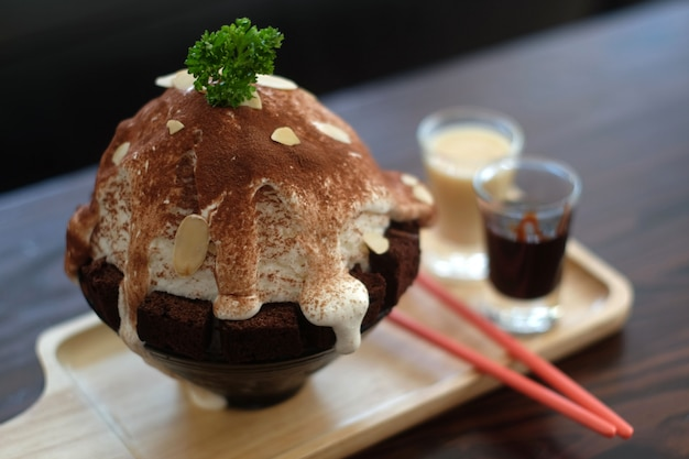 Kakigori ou sobremesa japonesa de gelo raspado