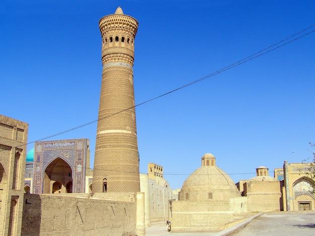 Kalyan minarete do complexo da mesquita poi-kalyan em bukhara