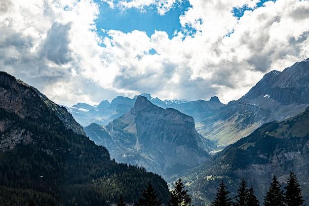 Kandersteg suíça vista de gaellihorn e tschingellochtighorn e lohner