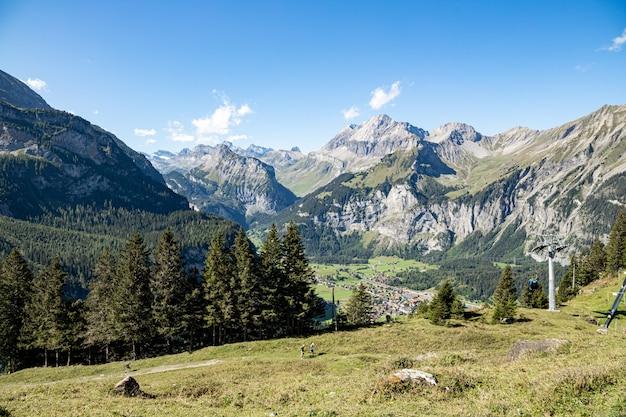 Kandersteg suíça - vista de gaellihorn e tschingellochtighorn, lohner, clyne lohner, bunderspitz, allmegrat