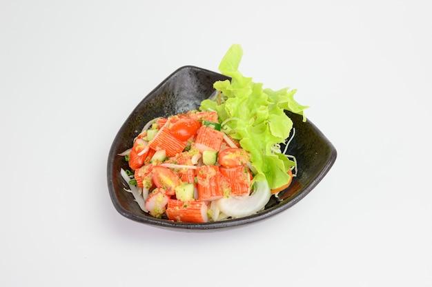 Kani ou salada de caranguejo com molho picante