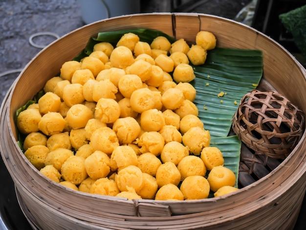Kanom tarn, sobremesa tradicional tailandesa, toddy palm bolo sabor doce delicioso