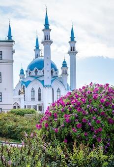 Kazan, rússia, 24 de agosto de 2019: vista da mesquita kul sharif