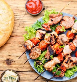 Kebab aperitivo, carne grelhada