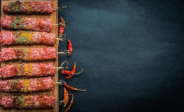 Kebab cru com pimenta