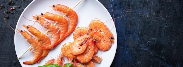 Kebab de camarão espeto de frutos do mar camarões temperos marinada lanche