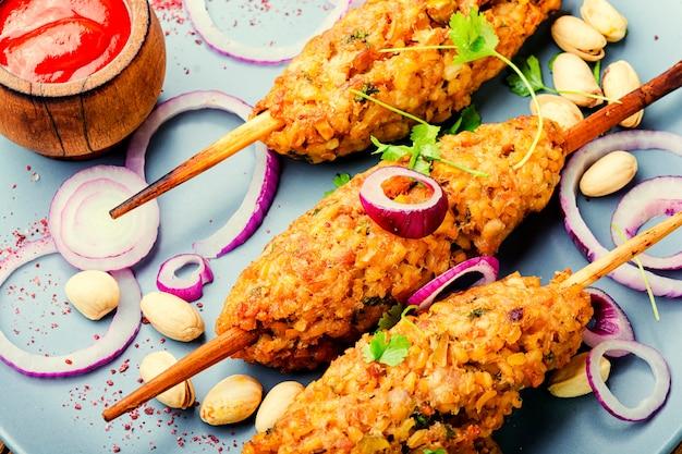 Kebab de lula no espeto