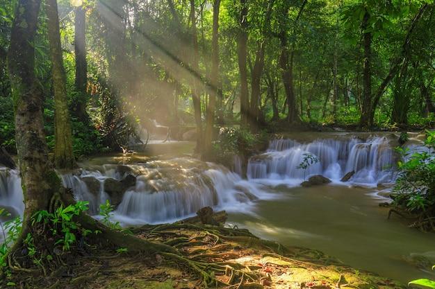 Kerng-kra-cachoeira, waterwall bonito, em, nationalpark, de, kanchanaburi, província, thailand