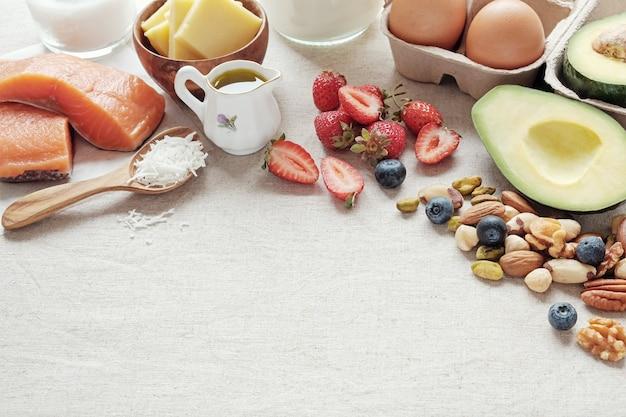 Keto, dieta cetogênica, baixa carb, alta gordura boa, comida saudável