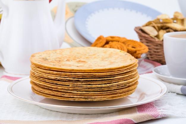 Khakhra indiano é um lanche de gujarati tradicional