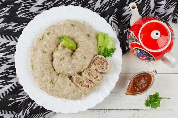 Khanum - prato tradicional uzbeque