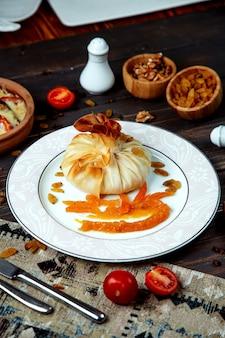 Khinkali frito da geórgia com passas
