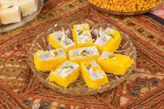 Khopara pak ou coco burfi