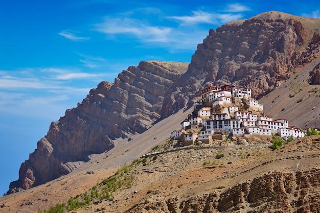 Ki gompa mosteiro tibetano. vale de spiti, himachal pradesh, indi