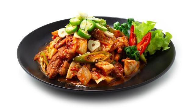 Kimchi picante frito com carne de porco