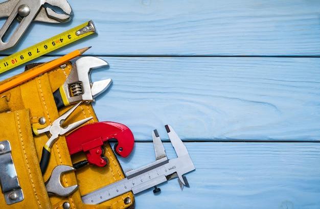 Kit de ferramentas de construção para um construtor em uma bolsa