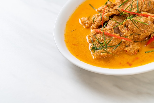 Kit de refeição tailandesa panang curry com carne de porco - estilo de comida tailandesa