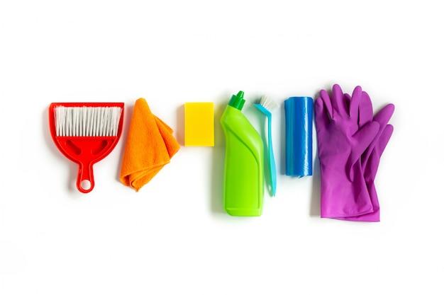 Kit multicolorido para limpeza de primavera brilhante em casa.