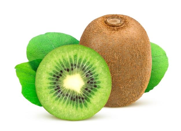 Kiwi. kiwis inteiros e fatiados isolados