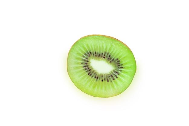 Kiwi orgânico inteiro, fresco e suculento
