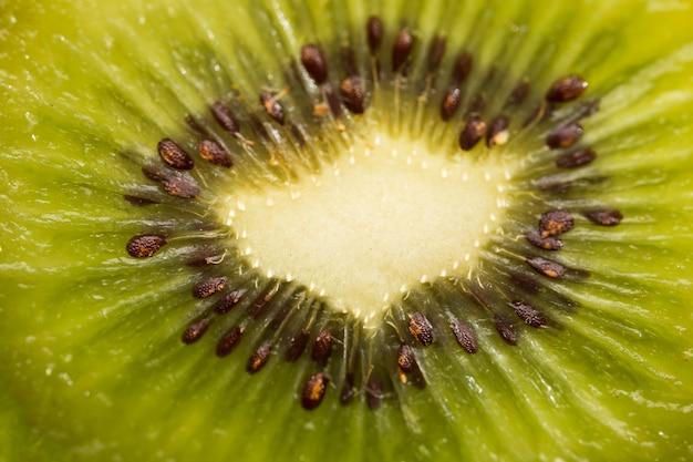 Kiwis com sementes close-up