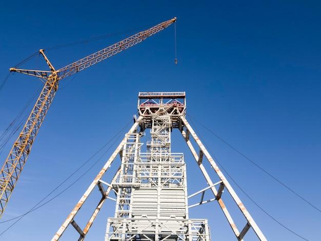 Koper para levantamento de minério. mineração e planta de processamento. mineração de silvinita. construção. distrito de petrikov, república da bielorrússia.