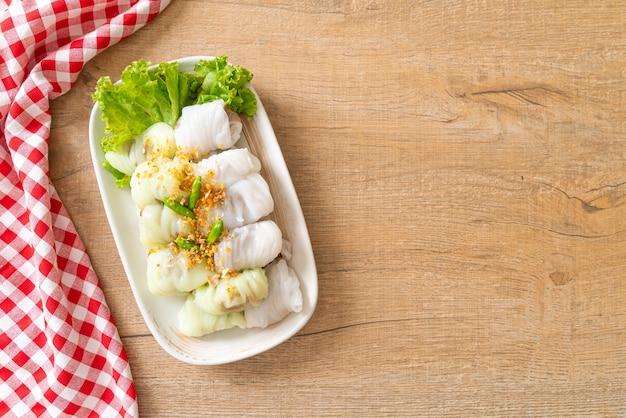 (kow griep pag mor) parcelas de arroz no vapor de carne de porco ou bolinhos de casca de arroz no vapor