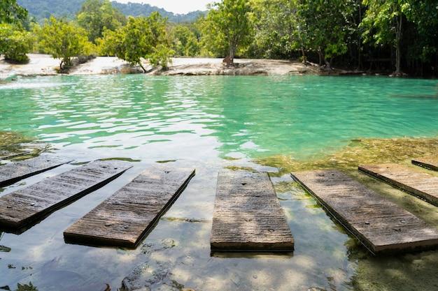 Krabi piscina esmeralda ao sul da tailândia