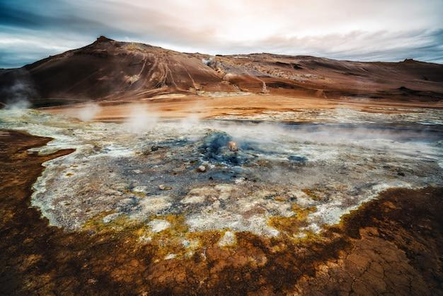 Krafla geotérmica de hverir, namafjall na islândia