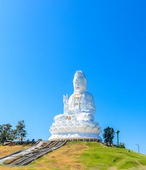 Kuan yin estátua de buda. wathyuaplakang