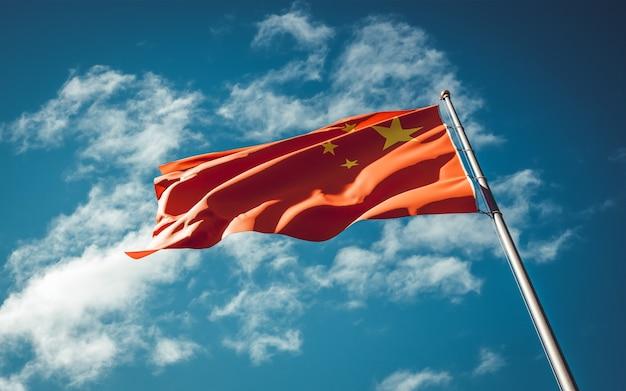 L bandeira do estado nacional da china tremulando