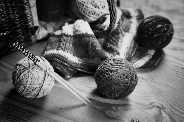 Lã bola preta e branca hobby
