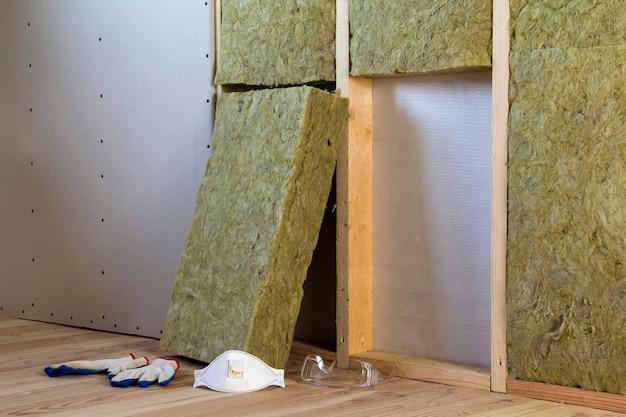 Lã de rocha e material de isolamento de fibra de vidro para barreira contra o frio.