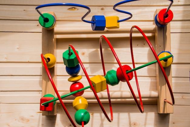 Labirinto de brinquedo para crianças