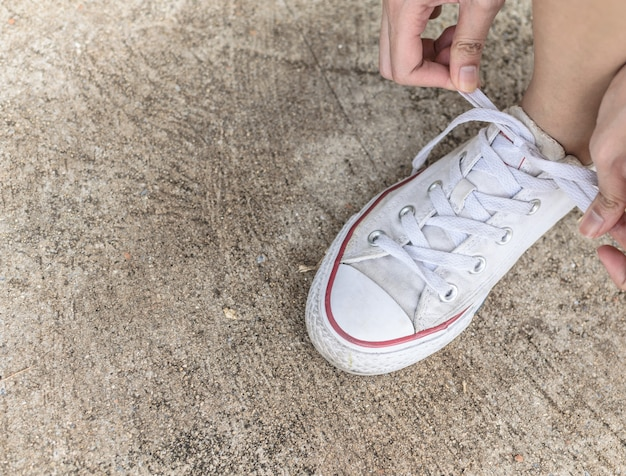 Laços de sapato.